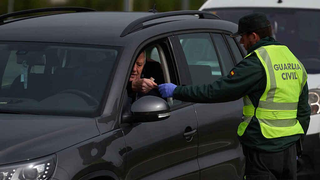agente multando2